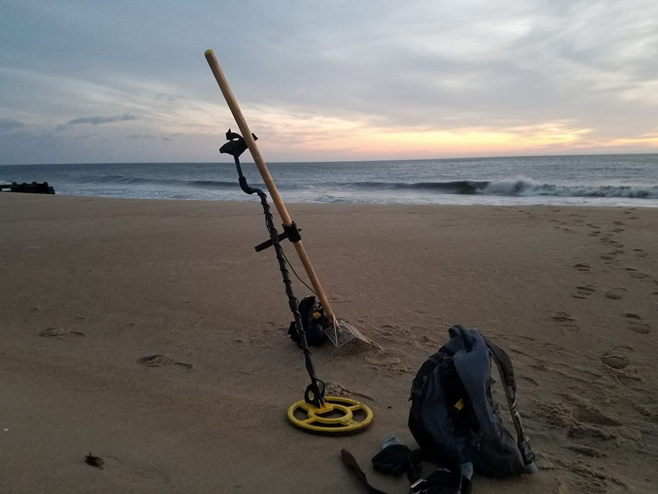 metal detector, whites electronics, dual phase metal detector, delaware, sussex county, coin beach, treasure hunting, pieces of eight, templar coins, faithful steward shipwreck, irish pennies